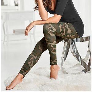 Camouflage Leggings // Green
